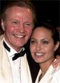 Анджелина Джоли поздравила своего отца Джона Войта с 75-летием