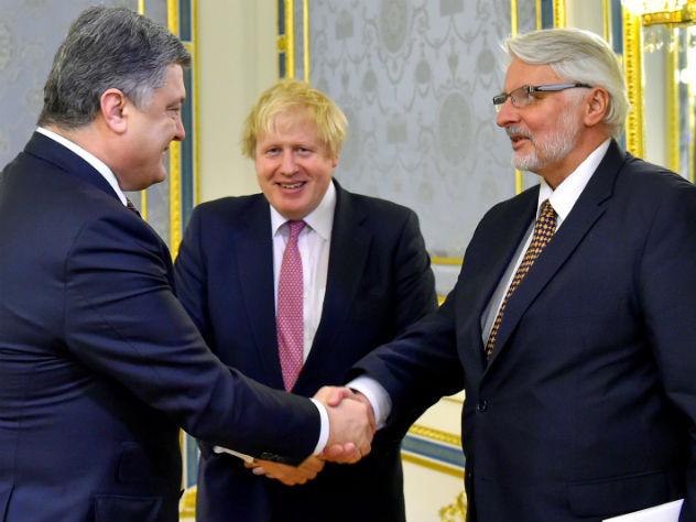 Порошенко призвал ввести санкции занезаконное присвоение украинских активов