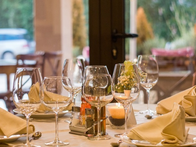 Превосходно посидели: 120 гостей ресторана неоплатили счет и убежали