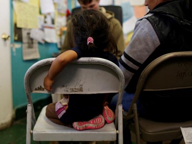 США могут делить матерей идетей, незаконно попадающих встрану изМексики
