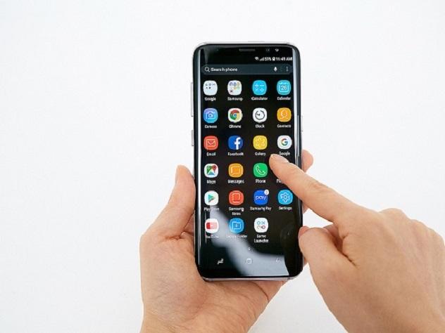 Блогер обманул защиту нового Samsung S8 за пять минут