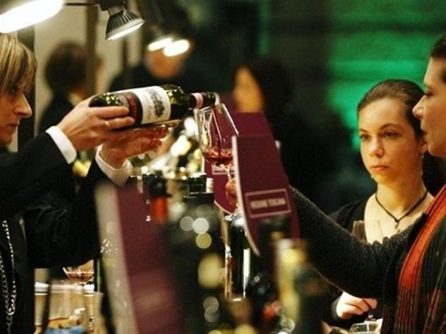 Граждан России заставили убрать все упоминания окрымских винах навыставке вИталии