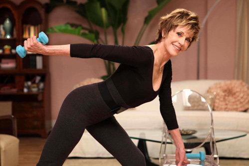 Сейчас Джейн ФОНДА рекламирует диск со своими упражнениями