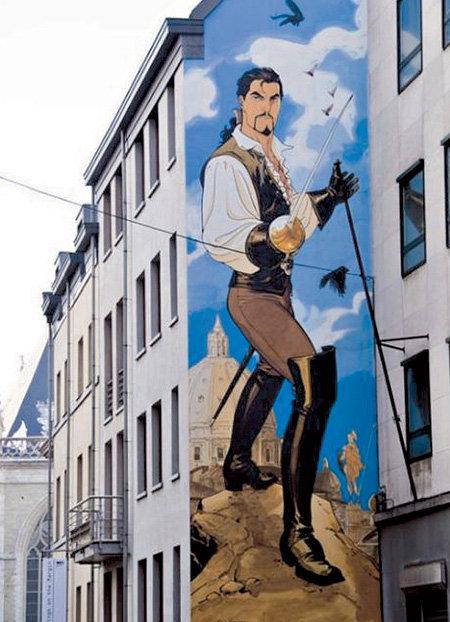 ...специализирующиеся на росписи на домах...