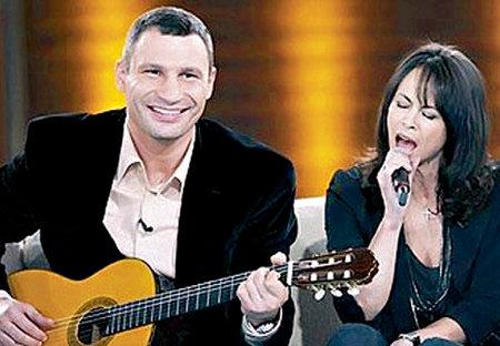 Дуэт Виталия и Натальи КЛИЧКО переплюнул бы многих звёзд нашего шоу-бизнеса
