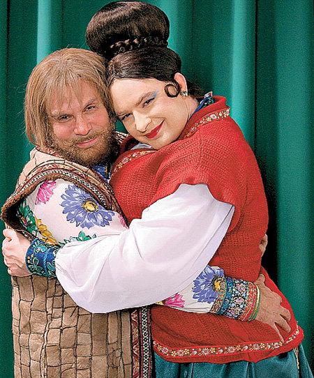 Ефим ШИФРИН и Андрей ДАНИЛКО (Верка Сердючка) сыграли любящих супругов