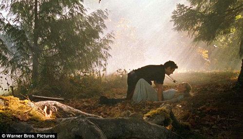Актёры считают, что с любовными сценами фильм только выиграл - фото Daily Mail