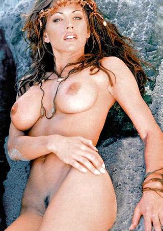 Криста АЛЛЕН надеется, что эти снимки согреют мужчин долгими зимними ночами