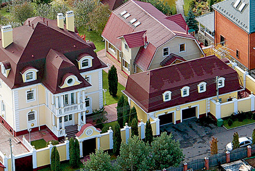 В особняке РАСПУТИНОЙ на Рублёвке для девушки не нашлось даже крохотной каморки