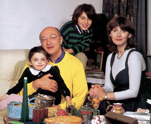 Артист с четвёртой женой Анной ЯМПОЛЬСКОЙ, сыном Мишей и дочкой Зоей десять лет назад