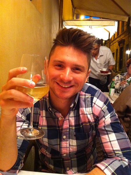 В отпуске Сергей и Лера налегали на белое вино
