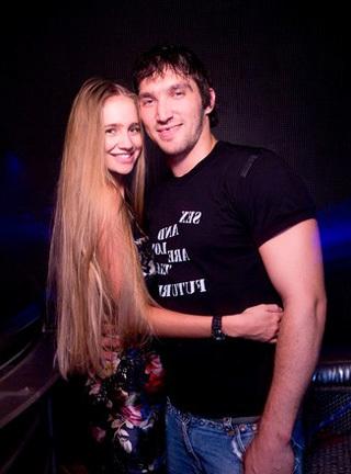 Александр ОВЕЧКИН с Валерией СОКОЛОВОЙ. Фото storystar.ru