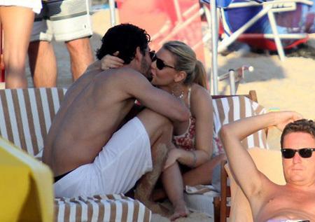 Последний раз пара была замечена отдыхающими на Сардинии