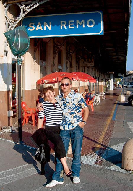 В прошлом году Дмитрий свозил жену Тамару в Италию