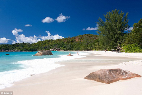 Остров Праслин считается раем для влюблённых