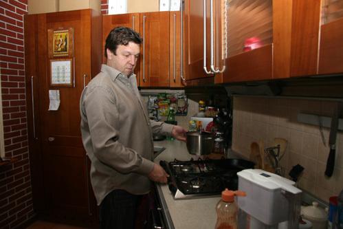 Фёдор - хозяйственный мужчина