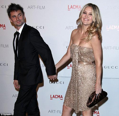 Кейт ХАДСОН и Мэтью БЕЛЛАМИ - фото Daily Mail