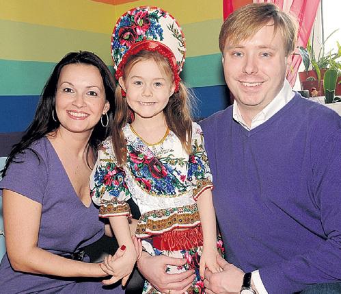 Сан Саныч с женой Ангелиной и дочкой Тосей