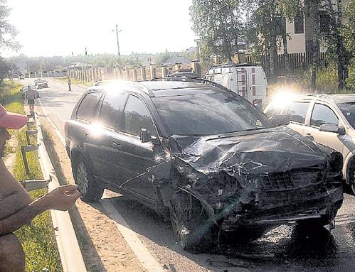 Машина Эдварда РАДЗИНСКОГО в аварии серьёзно пострадала...