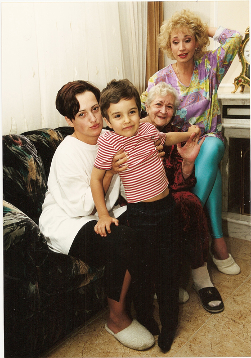 Ирина АЛЛЕГРОВА с мамой, дочерью Лалой и внуком Сашей.