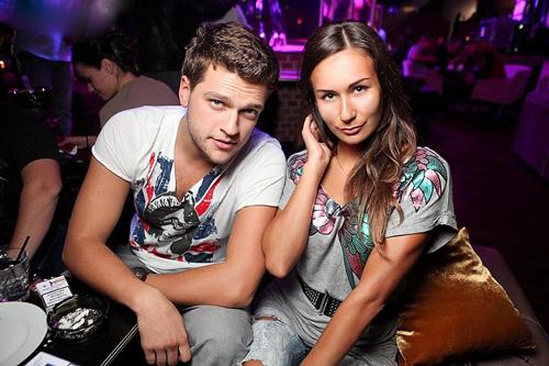 Кирилл НАГИЕВ с любимой девушкой Юлией МЕЛЬНИКОВОЙ (фото
