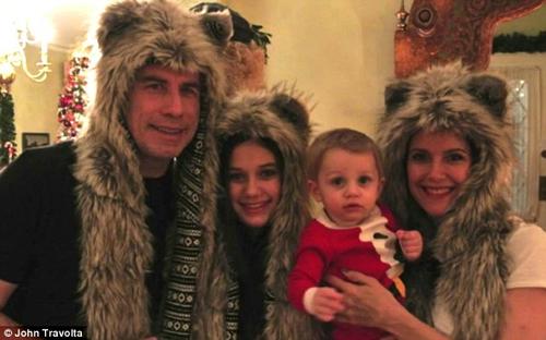 Келли Престон опубликовала в Твиттере трогательное видео, в котором Джон собрал самые дорогие ему семейные фото.
