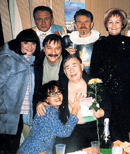 На одном из фестивалей с друзьями-артистами Натальей ВАРЛЕЙ и Михаилом СВЕТИНЫМ