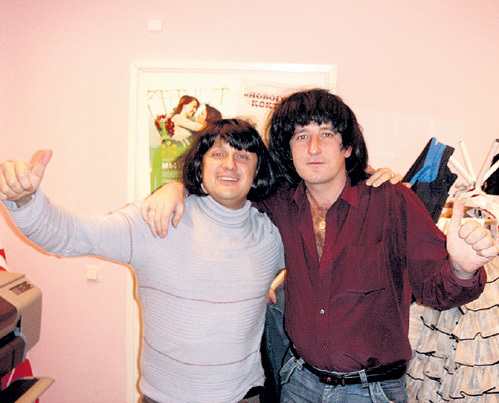Дмитрий МАЗУР (справа), как и Стас МИХАЙЛОВ (слева), пострадал от действий барабанщика ПОПОВА