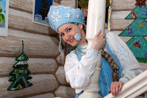 У костромской Снегурочки несколько помощниц - все умницы и красавицы.