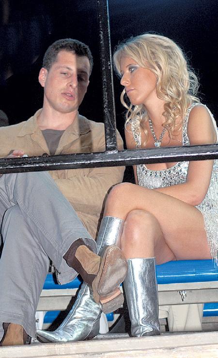... а бизнесмен Александр ШУСТОРОВИЧ даже хотел на ней жениться