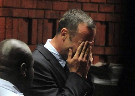 На суде Оскар ПИСТОРИУС разрыдался (фото Reuters)
