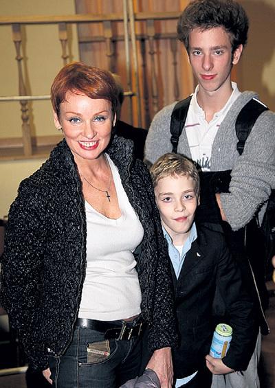 По решению суда Жанне ЭППЛЕ с сыновьями пришлось освободить квартиру, принадлежащую её бывшему гражданскому мужу Илье ФРЕЗУ