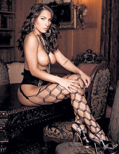 В 2008 году губернатор штата Нью-Йорк Элиот СПИТЦЕР подал в отставку из-за элитной проститутки Эшли ДЮПРЕ (на фото). Их телефонное общение отследили агенты ФБР