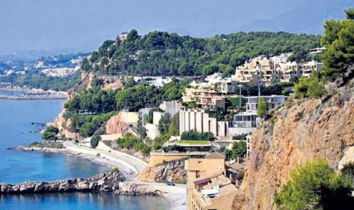 Квартирка на живописном побережье Испании обходится куда дешевле московской