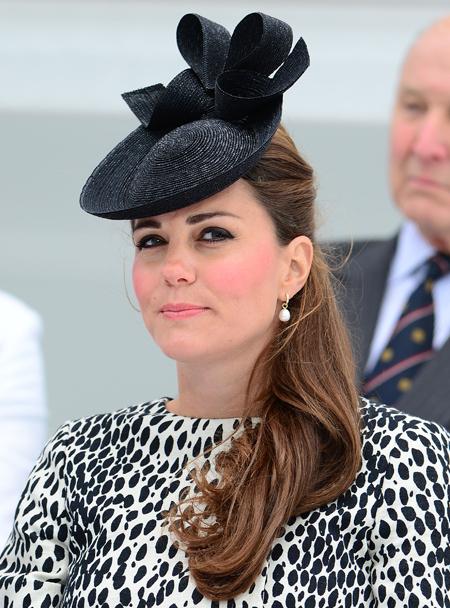 Кейт МИДДЛТОН дожидалась родов в доме своих родителей - подальше от лондонской жары.
