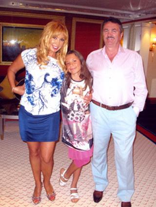 Маша РАСПУТИНА с мужем и дочерью