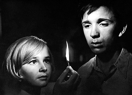 В фильме «До свидания, мальчики!» юная Наташа играла любовь с 19-летним Евгением СТЕБЛОВЫМ (1964 г.)