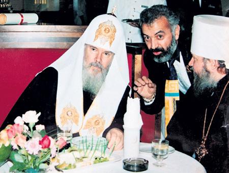 Серж ДЖИЛАВЯН вешает лапшу на уши патриарху АЛЕКСИЮ II