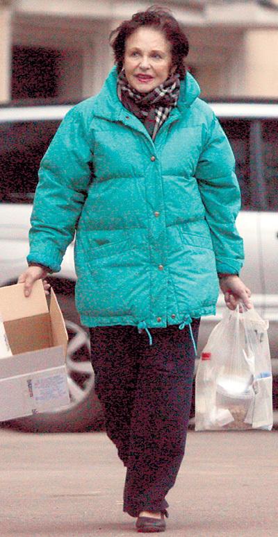 Каждое утро ФАТЕЕВА выносила во двор пакет снеди для бездомных мурок