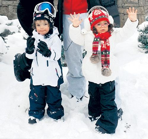 Для Мороккана и Монро снег в новинку