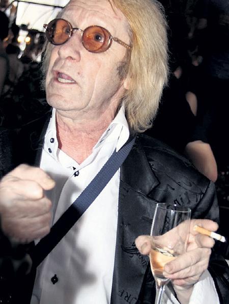 Последние годы артист пристрастился к алкоголю, который, по мнению многих, его и сгубил