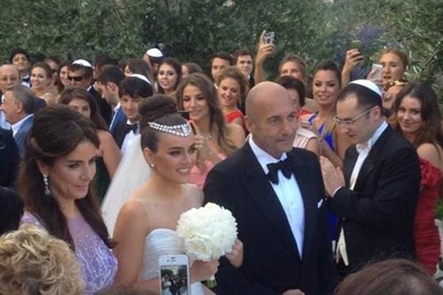 Свадьба Виктории Крутой и ресторатора Давида Берковича прошла в Монако.