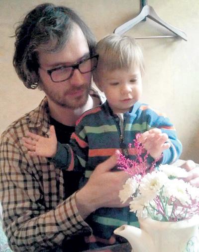 Второй супруг актрисы - режиссёр Евгений СЕМЁНОВ - с их общей дочкой Александрой