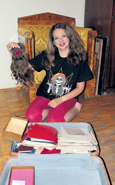 Инна СОЛОВЬЁВА обнаружила в чемодане Михаила БОЛДУМАНА свои волосы
