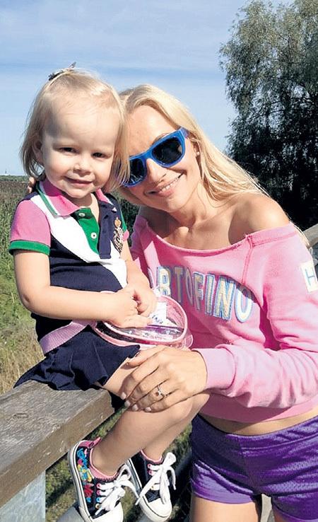 Ира мечтает растить Полю в родной Эстонии. Фото из личного архива Ирины КАЧКО
