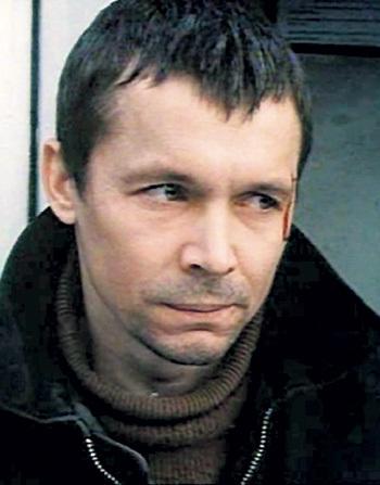 Благодаря главной роли в фильме «Дураки умирают по пятницам» Василий купил квартиру и машину. Фото: Kino-teatr.ru