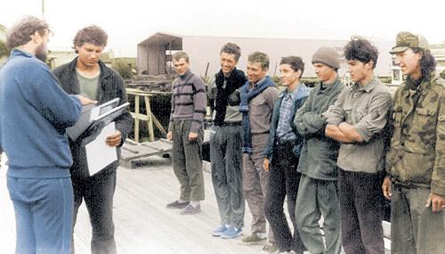 А эти бойцы стойко выдержали все испытания, за что получили почётные грамоты от руководителя петрозаводского клуба «Полярный Одиссей»
