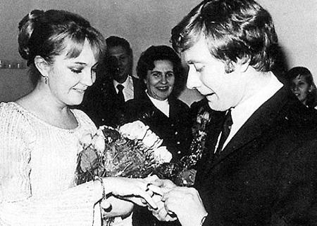 ГРАДОВА стала супругой Андрея в 71-м, а дочь родила спустя два года