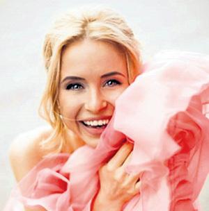 Мирослава менять в своей жизни пока готова только цвет волос. Фото: Фото: Facebook.com