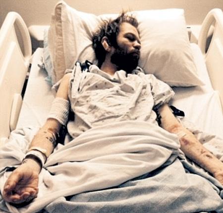 В состоянии искусственной комы музыкант провалялся почти месяц